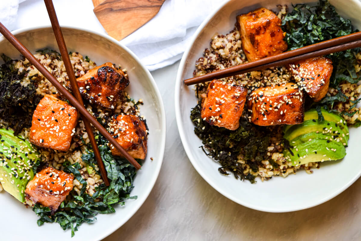 Brown Rice Sushi Bowl With Sweet And Crispy Salmon Delicious Dish